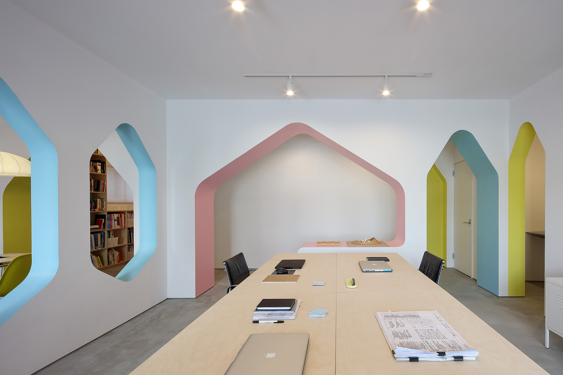 House of Many Arches by 24d-studio, Kobe, Japan